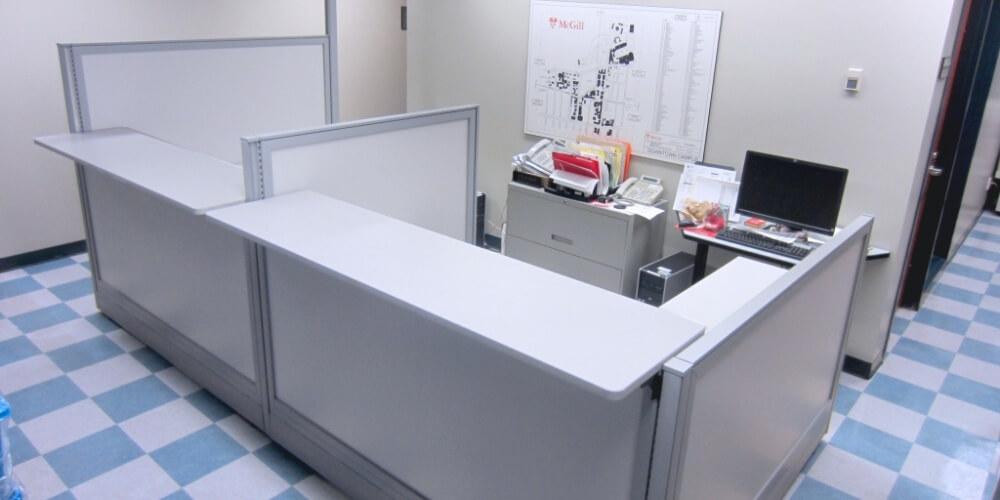 Systèmes de cloisons - Panel systems - Cubicules - Cubicles - Variations - Rampart