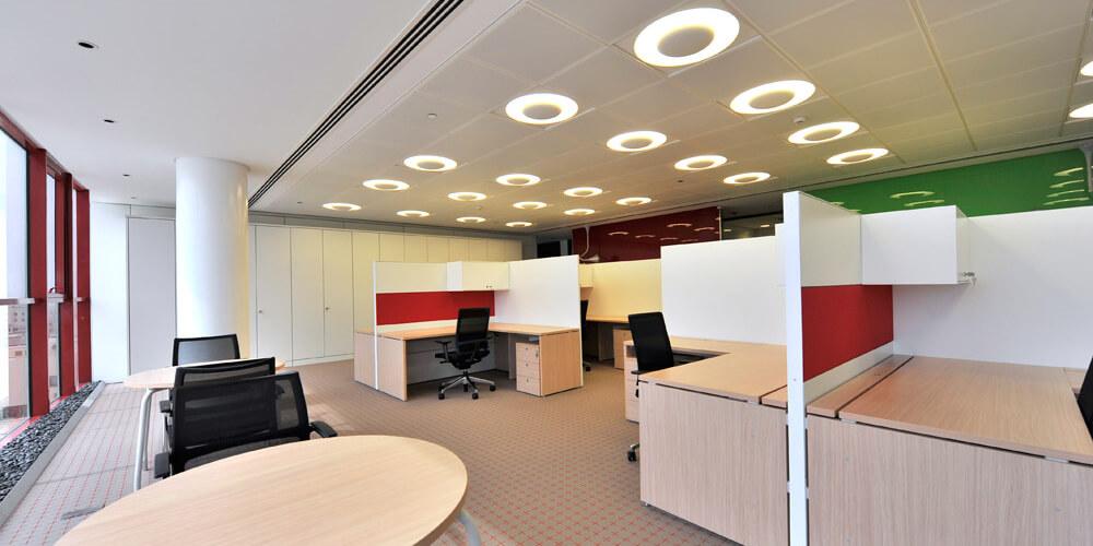Acoustic Panels Panneaux acoustiques_Fantoni ceiling office and table